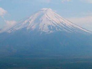 浮気調査中に高速道路からは「富士山」
