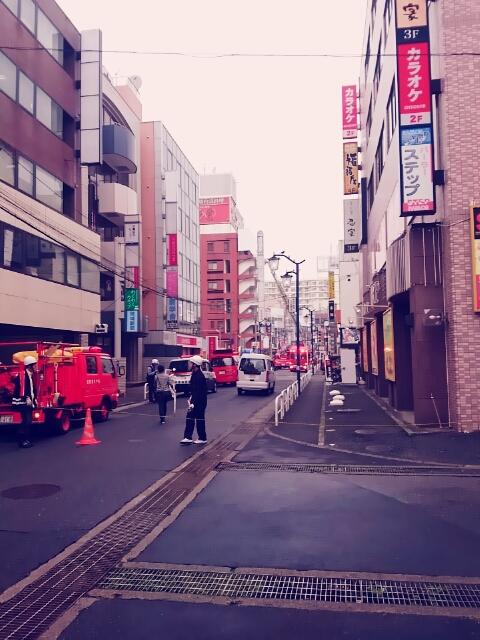 千葉県松戸市JR新松戸駅前でビル火災が発生②