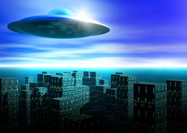 "UFOか?埼玉県南部の夜空に""謎の光"""